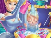 Csipkerózsika mosdatja a babát