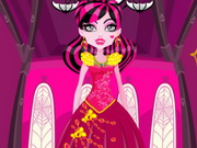 Draculaura Princess Dress Up