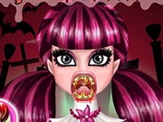 Draculaura Real Vampire Dentist