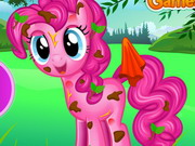 Pinkie Pie Messy Cleaning