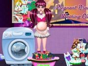 Pregnant Draculaura Washing Clothes