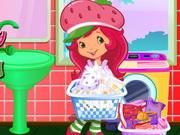 Strawberry Shortcake Washing Clothes