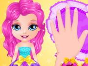 Kicsi Barbie körmei