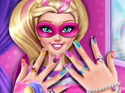 Szuperhős Barbie körmei